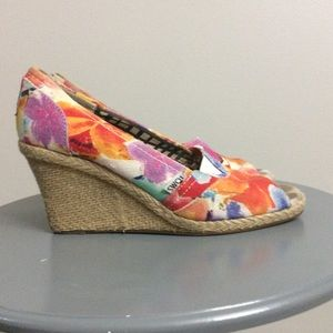 Toms Floral Canvas Peek Toe Wedges